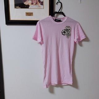 ディースクエアード(DSQUARED2)の早い者勝ち‼️【美品】ディースクエアードメンズワッペンTシャツ(ピンク)XS(Tシャツ/カットソー(半袖/袖なし))