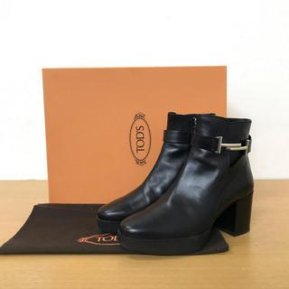 トッズ(TOD'S)の美品 トッズ   ダブルT ブーツ レザー 黒 サイズ36 ☆フェラガモ  (ブーツ)