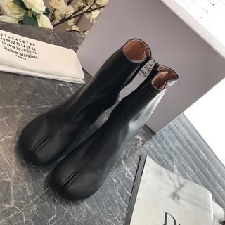 エムエムシックス(MM6)のMasion Margielaメゾン マルジェラ シルバー ブーツ足袋(ブーツ)