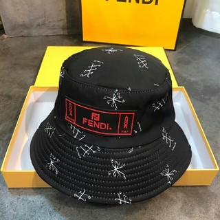 フェンディ(FENDI)のFENDIフェンディ 帽子 キャップ ハット(ハット)