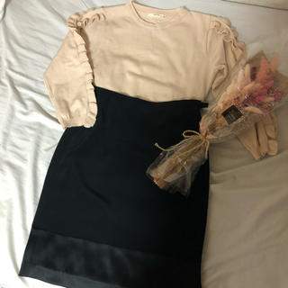 カルバンクライン(Calvin Klein)のCalvin Klein サイドスリットスカート 黒(ひざ丈スカート)