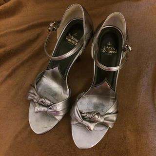 ヴィヴィアンウエストウッド(Vivienne Westwood)のVivienne Westwood サンダル ヴィヴィアン シルバー 靴(サンダル)