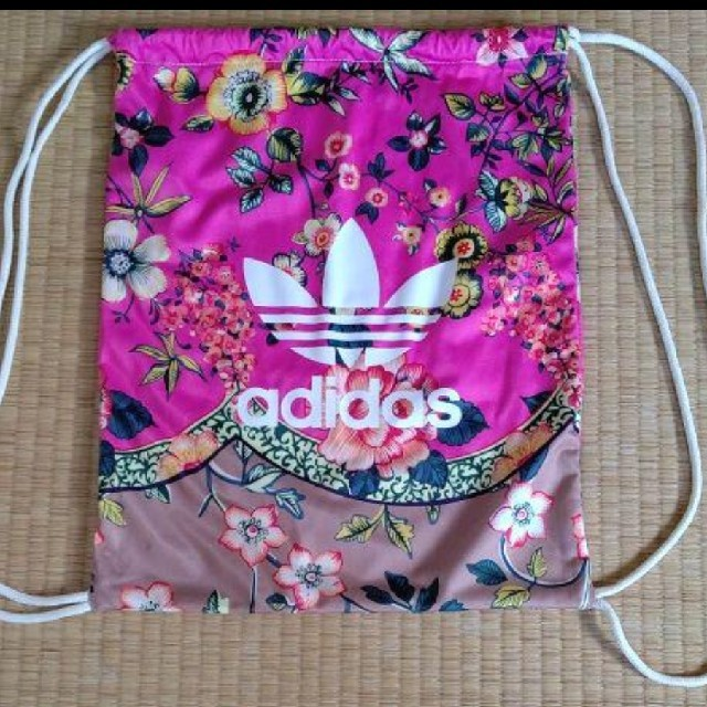 adidas(アディダス)のアディダス ナップザック レディースのバッグ(リュック/バックパック)の商品写真