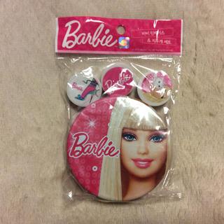 バービー(Barbie)の未使用品!!Barbie 缶小物ケースと消しゴムセット(小物入れ)