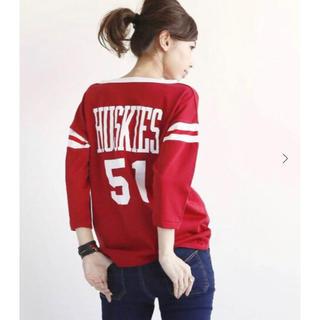 アパルトモンドゥーズィエムクラス(L'Appartement DEUXIEME CLASSE)のSTAMMBAUM HUSKIES Tシャツ 赤レッドL'Appartement(Tシャツ(長袖/七分))
