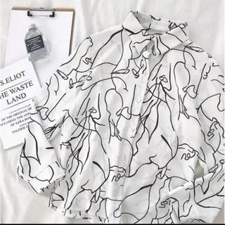 アメリヴィンテージ(Ameri VINTAGE)の本日限定価格!☺︎柄シャツ モノクロ 個性的 オルチャン(シャツ/ブラウス(長袖/七分))