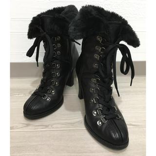 ダイアナ(DIANA)のダイアナ 編み上げファー黒ブーツ(ブーツ)