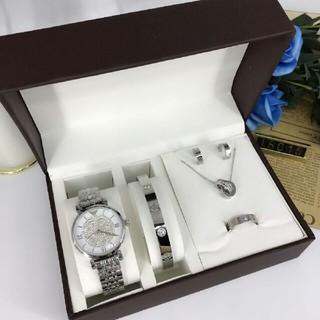 アルマーニ(Armani)のArmani腕时计、ネックレス、ブレスレット、イヤリング、指輪(ネックレス)