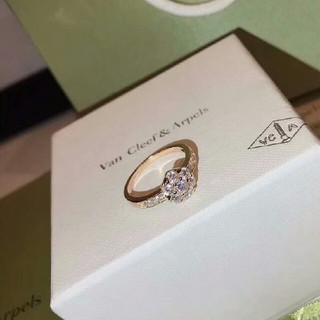 ヴァンクリーフアンドアーペル(Van Cleef & Arpels)の大人気 デザイン プレゼント  Van Cleef & Arpels リング (リング(指輪))