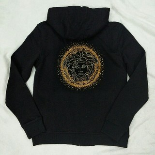 ヴェルサーチ(VERSACE)の秋冬コーデ メンズ VERSACE パーカー 超美品 ファッション ジャケット(パーカー)