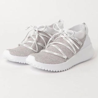 アディダス(adidas)のadidas スニーカー 24cm ライトグレー(スニーカー)