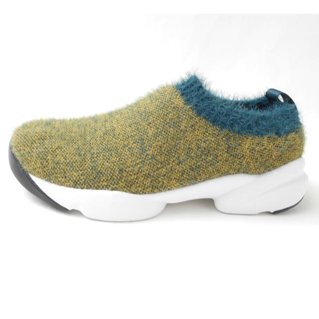 新品23.5CM ♡ふわふわな生地素材 超軽量スニーカー   ◎ レディースの靴/シューズ(スニーカー)の商品写真