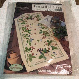 オリンパス(OLYMPUS)の青木和子の手づくりコレクション 刺繍 キット テーブルセンター (生地/糸)