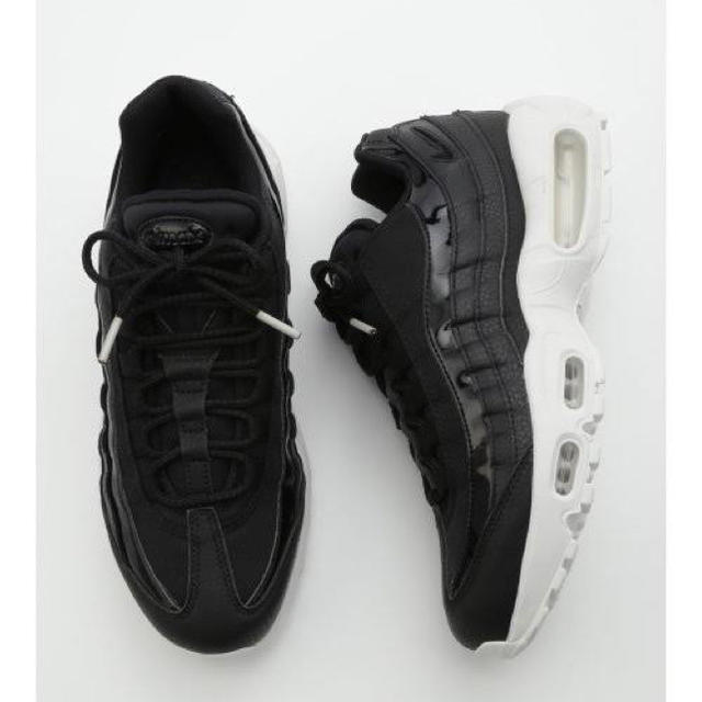 NIKE(ナイキ)のNIKE WMNS AIR MAX 95 SE Black White レザー レディースの靴/シューズ(スニーカー)の商品写真
