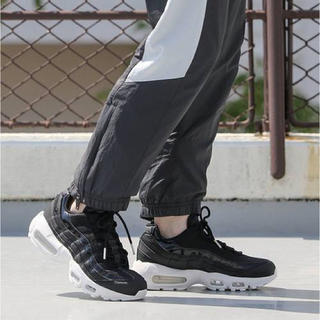 ナイキ(NIKE)のNIKE WMNS AIR MAX 95 SE Black White レザー(スニーカー)