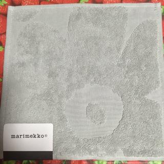 マリメッコ(marimekko)の🌸タグ付🌸新品未使用🌸マリメッコ タオルハンカチ🌸グレー🌸(ハンカチ)