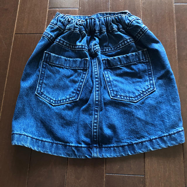 GU(ジーユー)のGU キッズ デニムスカート キッズ/ベビー/マタニティのキッズ服 女の子用(90cm~)(スカート)の商品写真