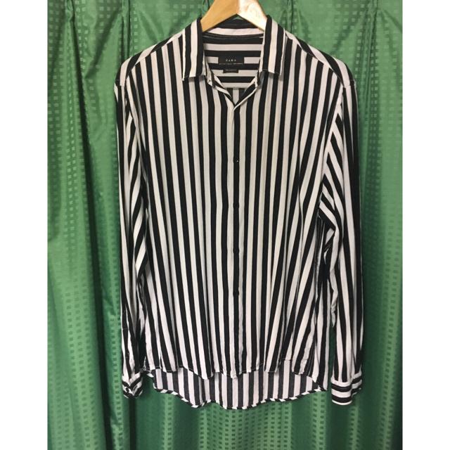 ZARA(ザラ)のZARA オーバーサイズ ストライプ シャツ メンズのトップス(シャツ)の商品写真