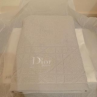 ディオール(Dior)のDIOR タオル グレー 限定品(タオル/バス用品)