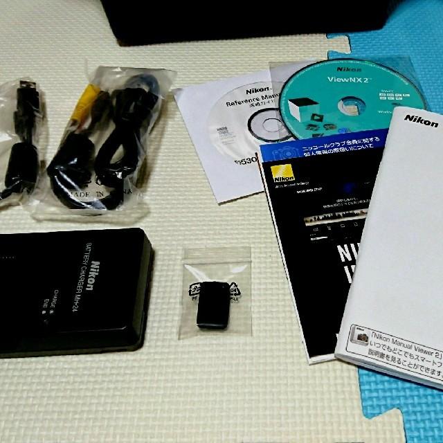 Nikon(ニコン)のニコン D5300 18-140VR Kit (カラー:レッド)&バックセット スマホ/家電/カメラのカメラ(デジタル一眼)の商品写真
