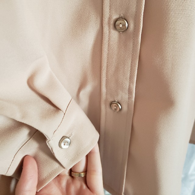 GU(ジーユー)のピンクシャツ♡ レディースのトップス(シャツ/ブラウス(長袖/七分))の商品写真
