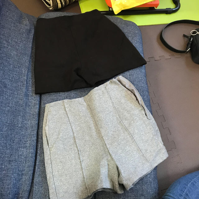 GU(ジーユー)のGU ウールショートパンツ(2色展開) レディースのパンツ(ショートパンツ)の商品写真