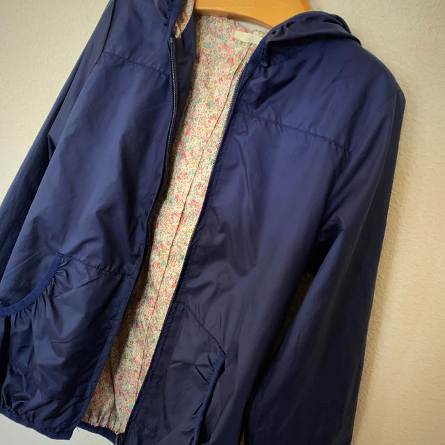 GU(ジーユー)のGU❤︎キッズウィンドブレーカー/130 キッズ/ベビー/マタニティのキッズ服 女の子用(90cm~)(ジャケット/上着)の商品写真