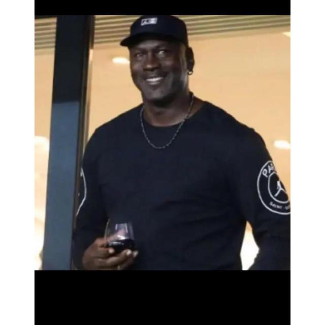 NIKE(ナイキ)のAIR JORDAN PSG ロンT メンズのトップス(Tシャツ/カットソー(七分/長袖))の商品写真