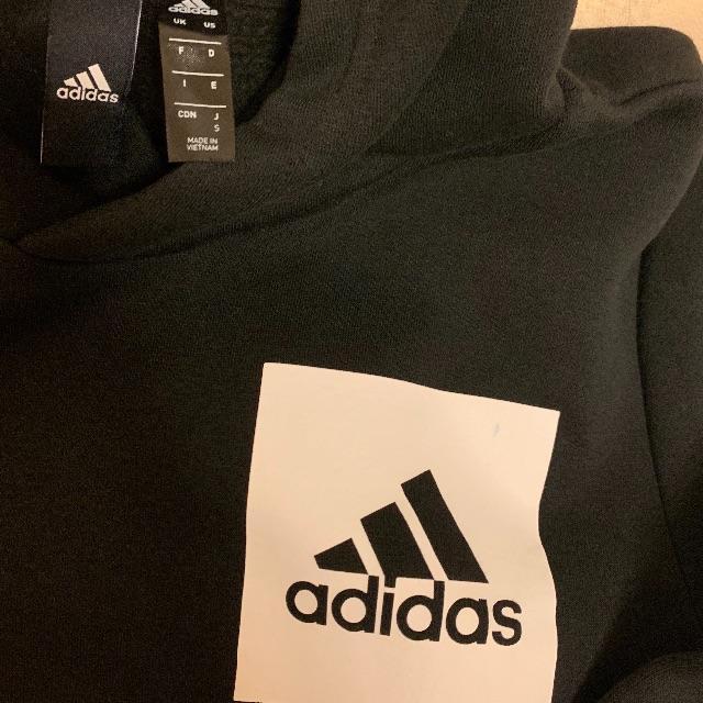 adidas(アディダス)のAdidas アディダス プルオーバーパーカー メンズのトップス(パーカー)の商品写真
