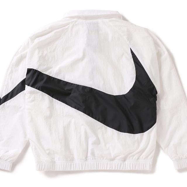 NIKE(ナイキ)の残り2着!新品未使用◆XLサイズ NIKE WOVEN JACKET WHITE メンズのジャケット/アウター(ナイロンジャケット)の商品写真