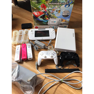 Wii U - Wii U すぐに遊べるマリオカート8セット+リモコンクラシックコントローラー