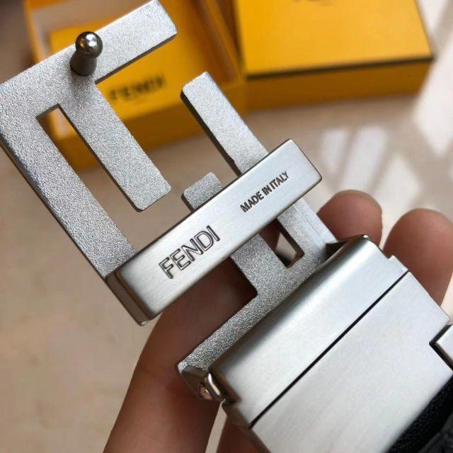 FENDI(フェンディ)のFENDI FFロゴバックル レザーベルト  メンズのファッション小物(ベルト)の商品写真