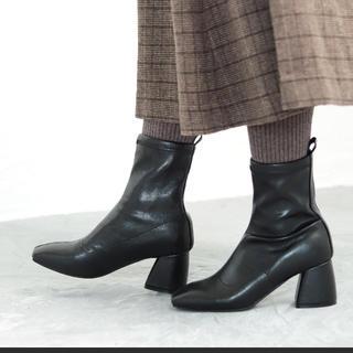 イエナスローブ(IENA SLOBE)のセスト  ショートブーツ 黒 ブラック(ブーツ)