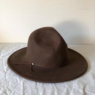 アールエヌエーエヌ(RNA-N)の【ladies】つば広帽 ブラウン コンチョ(ハット)