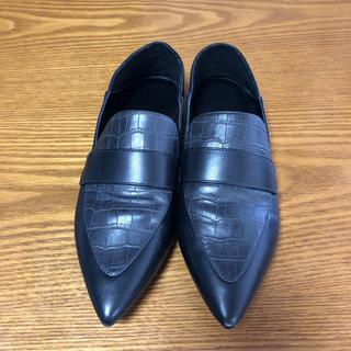 ジーユー(GU)のジーユー パイソン柄 ローファー 革靴(ローファー/革靴)