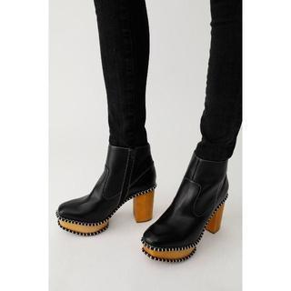 マウジー(moussy)のMOUSSYマウジーWOOD SOLE ブーツ柄BLK L(ブーツ)