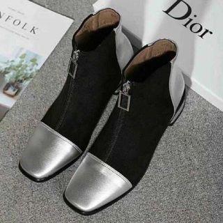 ディオール(Dior)の大人気DIORショートブーツ(ブーツ)