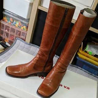 サヴァサヴァ(cavacava)のサヴァサヴァ レザーロングブーツ 23.5cm ブラウン(ブーツ)