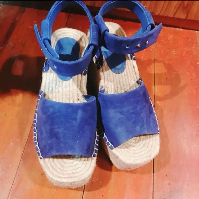Mila Owen(ミラオーウェン)のmila owenブルースエードサンダル ウエッジサンダル  レディースの靴/シューズ(サンダル)の商品写真
