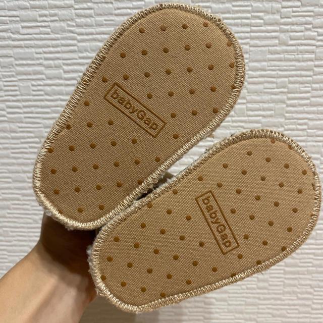 babyGAP(ベビーギャップ)のbaby GAP  6-12m  ムートン ブーツ 靴 匿名配送 送料込み キッズ/ベビー/マタニティのベビー靴/シューズ(~14cm)(ブーツ)の商品写真