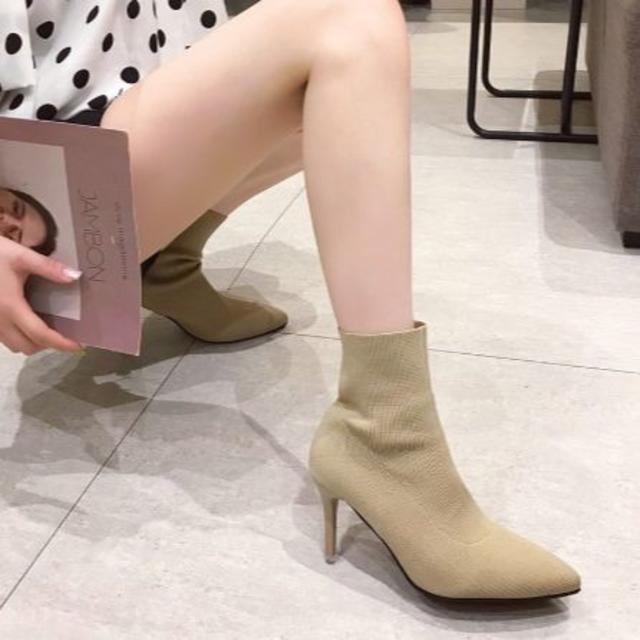 LIP SERVICE(リップサービス)の💛シンプルソックスショートブーツ💛ベージュ💛 レディースの靴/シューズ(ブーツ)の商品写真