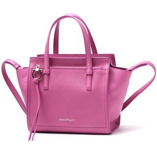 サルヴァトーレフェラガモ(Salvatore Ferragamo)の正規品 フェラガモ ハンドバッグ 濃いピンク(ハンドバッグ)