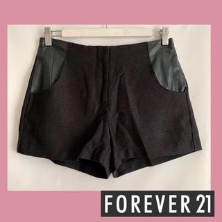 フォーエバートゥエンティーワン(FOREVER 21)のForever21 ショートパンツ ブラック(ショートパンツ)