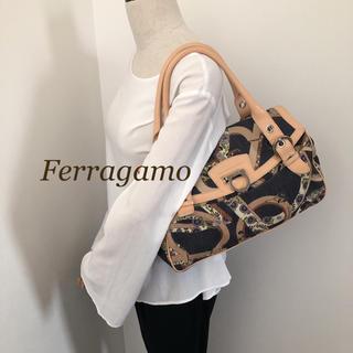 サルヴァトーレフェラガモ(Salvatore Ferragamo)の【良好】Ferragamo ガンチーニ  ハンドバッグ(ハンドバッグ)