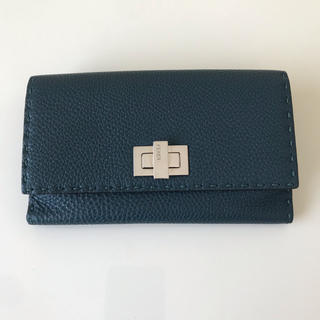 フェンディ(FENDI)の超美品♡フェンディ  セレリア レザー 長財布 グリーン (財布)