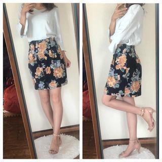 ノエラ(Noela)のNoela 花柄スカート♡(ひざ丈スカート)
