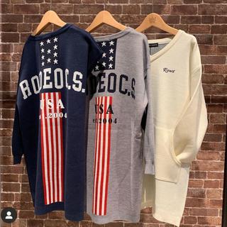 ロデオクラウンズワイドボウル(RODEO CROWNS WIDE BOWL)のRCWB✳︎ Standing AmericaVネック ニットワンピース✳︎(ひざ丈ワンピース)