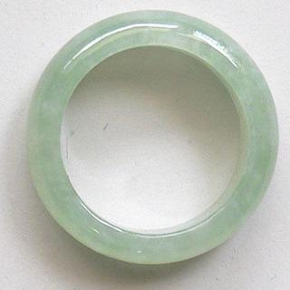 人気商品! 希望を叶える魔法の石 魅惑のグリーン 高級翡翠の指輪13号(リング(指輪))
