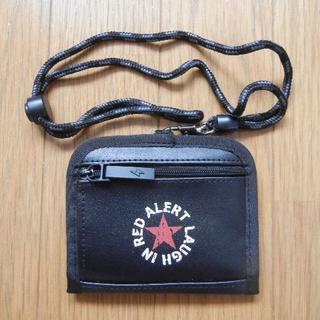 ボーイズ 二つ折り財布 黒×赤   (財布)