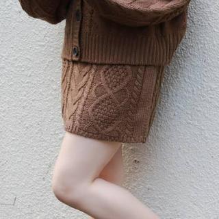 ワンアフターアナザーナイスクラップ(one after another NICE CLAUP)のアプレジュール ケーブルニット台形スカート(ミニスカート)